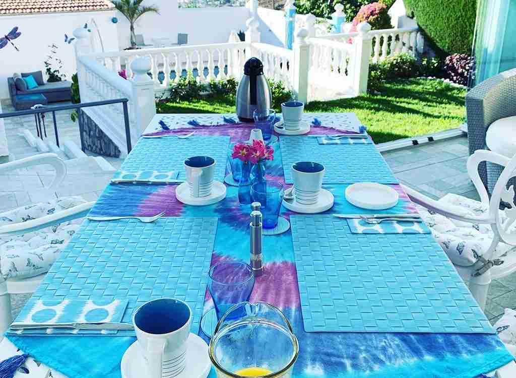 Breakfast and Afternoon Tea (16b)